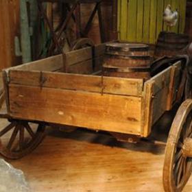 Vieux chariot 245cm