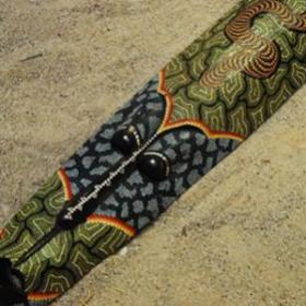 Masque autochtone 106cm