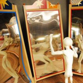 Miroir déformant 230cm