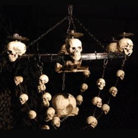 Lustre crânes 138cm