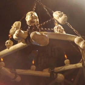Lustre crânes 150cm