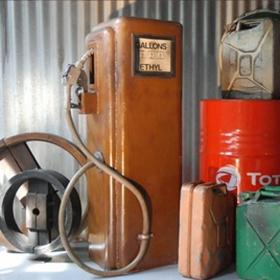 pompe à essence retro