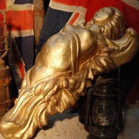 Statue figure de proue