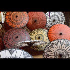 Parasols asiatiques toutes sortes
