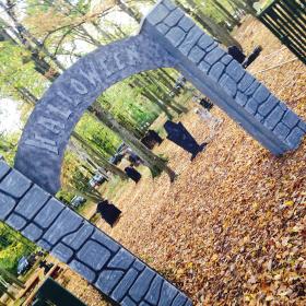 Arche en pierre Halloween