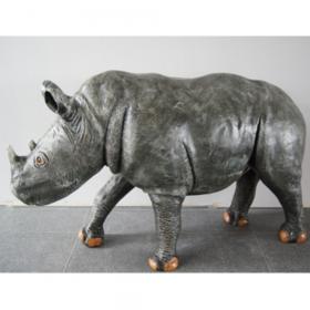 Rhinocéros 145cm