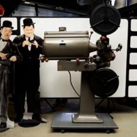 Projecteur cinéma 210x145cm