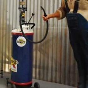 Pompe à essence manuelle bleue 160cm