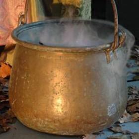 Chaudron avec fumée artificielle