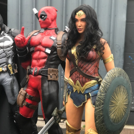Personnage Wonder Woman 185 CM