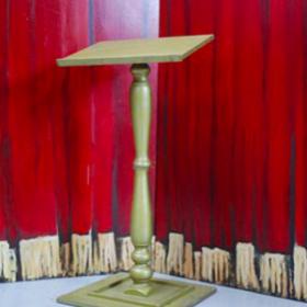 Pupitre or - 125cm