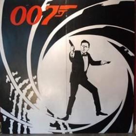 """Panneau de cinéma James Bond """"007"""" 250cm"""