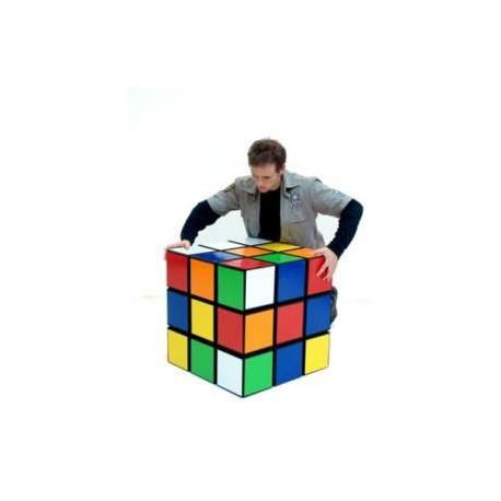 rubik 39 s cube de 60cm pour vos soir es sur le th me des ann es 80 du divertissement des jeux ou. Black Bedroom Furniture Sets. Home Design Ideas